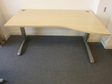 Picture of WD 11 - 1600mm Right Hand Wave Desk