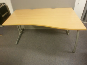 Picture of WD 15 - 1600mm Right Hand Wave Desk