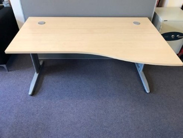 Picture of WD 17 - 1600mm Right Hand Wave Desk