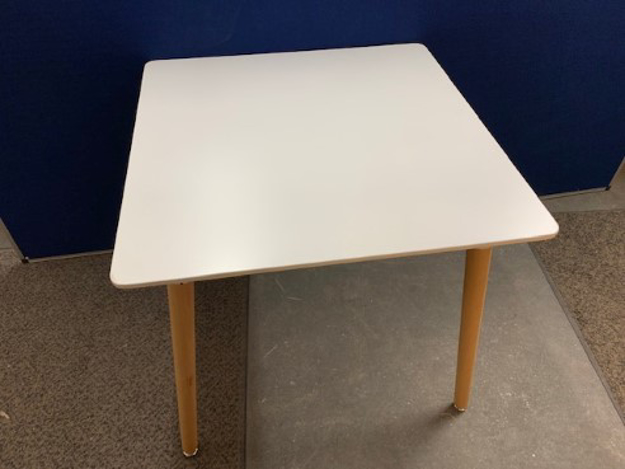 Picture of MT 9 - Meeting Table