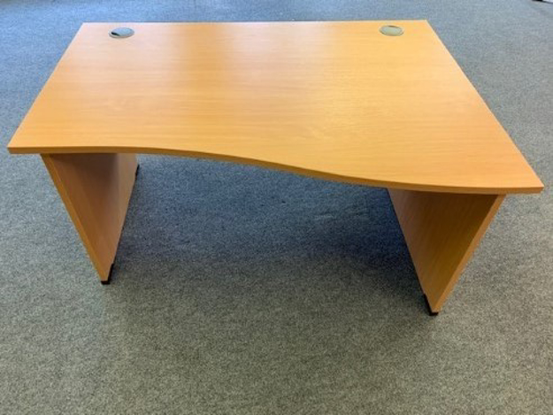 Picture of WD 2 - 1400mm Right Hand Wave Desk