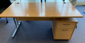 Picture of SD 6 - 1600mm Straight Desk And Pedestal
