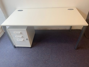 Picture of SD 8 - 1600MM Straight Desk And Pedestal