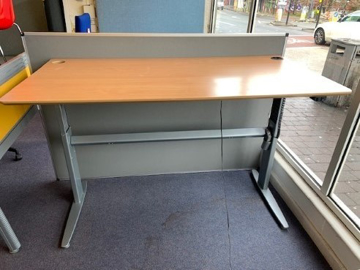 Picture of SD 1 - 1600mm Straight Electric Height Adjustable Desk