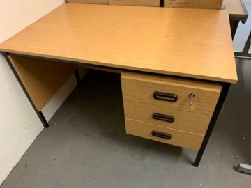 Picture of SD 16 - 1200mm Straight Desk