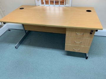 Picture of SD 18 - 1600mm Straight Desk