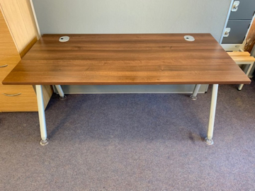 Picture of SD 8 - 1600mm Straight Desk
