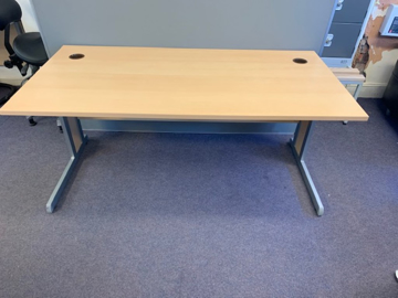 Picture of SD 3 - 1600mm Straight Desk