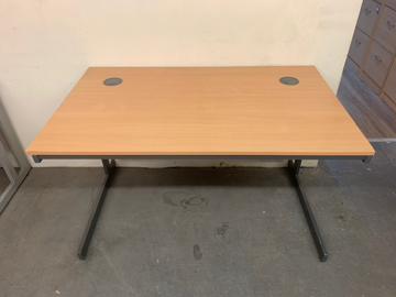 Picture of SD 1 - Straight Desk