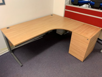 Picture of CD 5 – 1600mm Right Hand Corner Desk