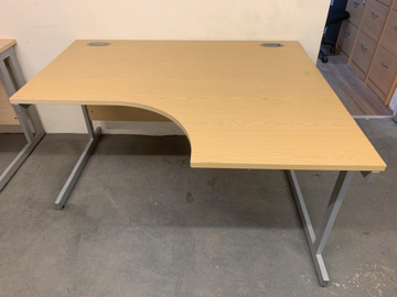 Picture of CD 7 – 1400mm Right Hand Corner Desk