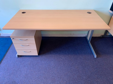 Picture of SD 11 - 1600mm Straight Desk And Pedestal