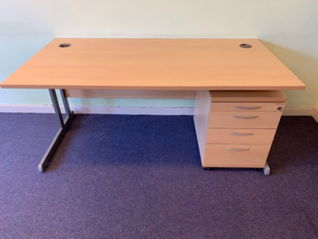 Picture of SD 16 - 1600mm Straight Desk And Pedestal