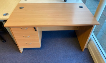 Picture of SD 9 - 1400mm Straight Desk And Fixed Pedestal