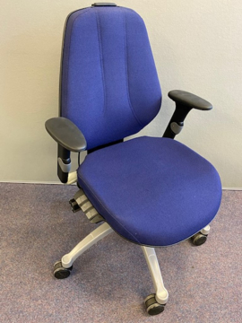 Picture of OC 26 – RH Extend Operators Chair
