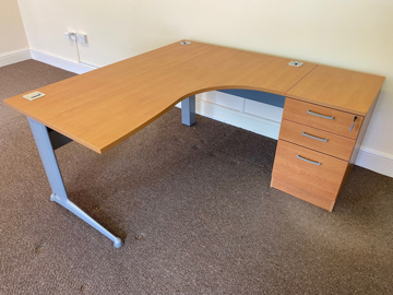 Picture of CD 2 – 1600mm Right Hand Desk And Pedestal