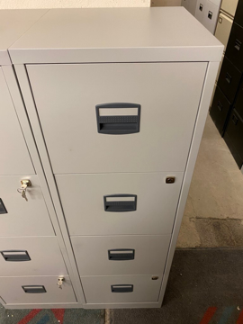 Picture of FC 17 – Bisley 4 Drawer A4 Filing Cabinet
