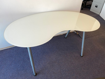 Picture of SD 1 - Glass Kidney Desk