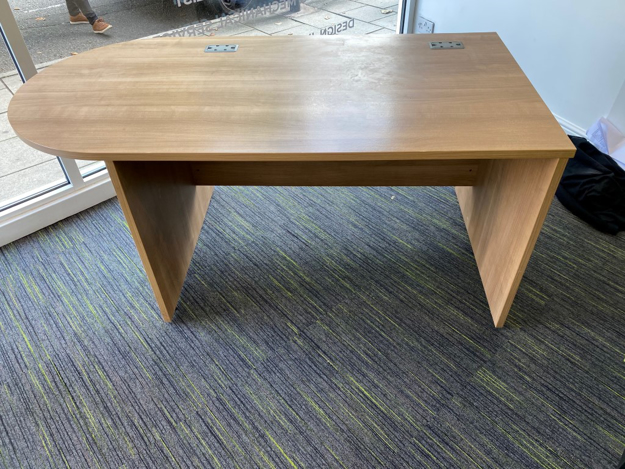Picture of SD 17 - 1600mm Straight Desk