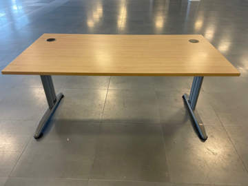 Picture of SD 23 - 1600mm Straight Desk