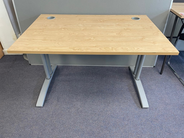 Picture of SD 9 - 1200mm Straight Desk